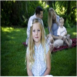 Alina-Blagoi-Cum-putem-să-prevenim-şi-să-gestionăm-gelozia-între-fraţi